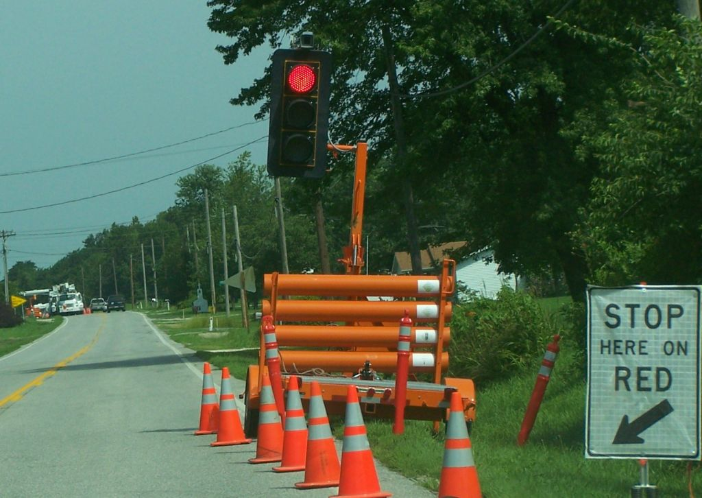 portable traffic signal system  utility traffic control  portable traffic lights by tower sign